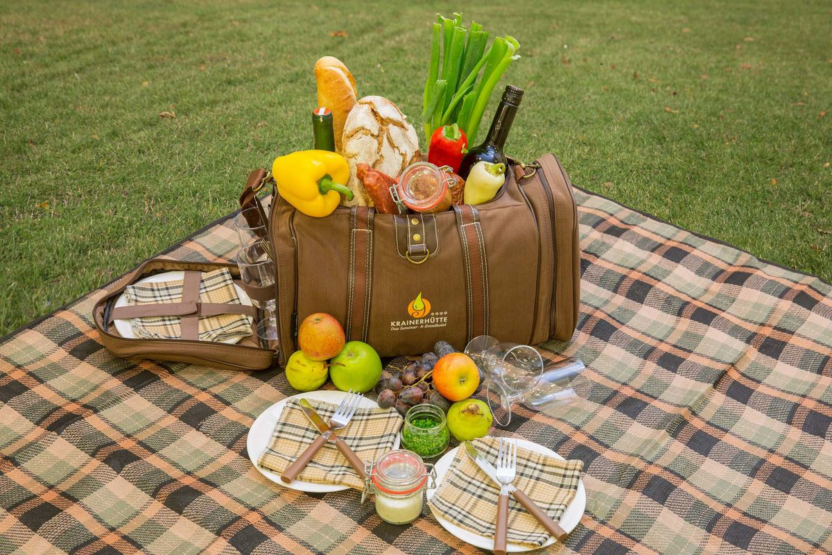 Picnic in the Helenental valley with 2 nights | Krainerhütte****